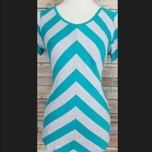 Lularoe Chevron Print Classic T Teal Gray Medium